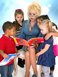 Dolly Parton reading to children